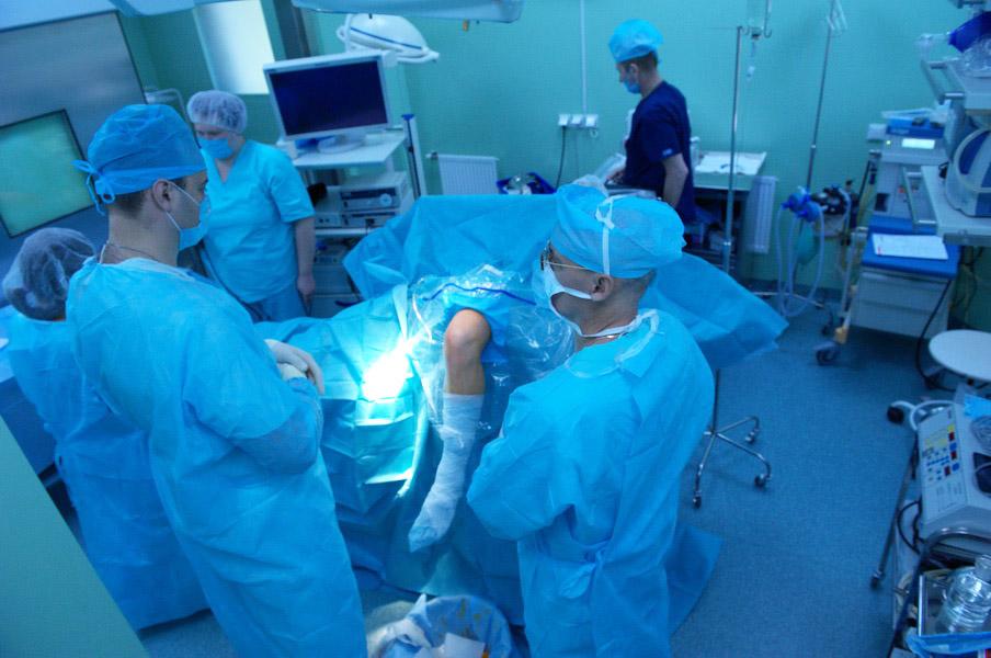 сколько стоит операция тазобедренного сустава